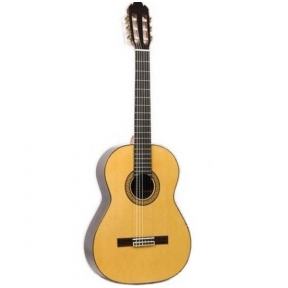 Raimundo 136S Classical Guitar
